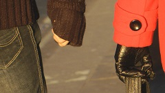 girls-in-leather-gloves-candid-street